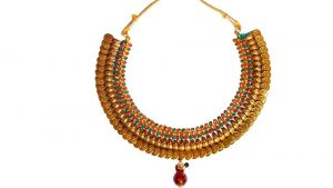 Simple gold necklaces for fashionable ladies